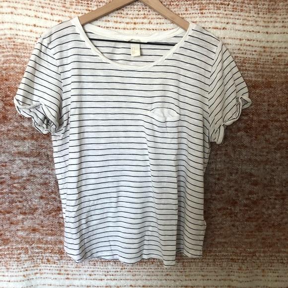 321d3dc6884 H&M Striped T-Shirt w Cuffed Sleeves & Faux Pocket